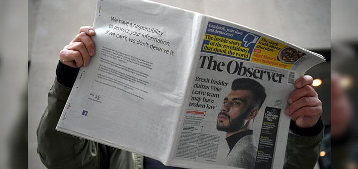 """Foto de un ejemplar de """"The Observer"""" en donde el creador de Facebook, Mark Zuckerberg, publicó un anuncio a página completa en donde se disculpa por el escándalo de filtración de datos de la consultora Cambridge Analytica"""