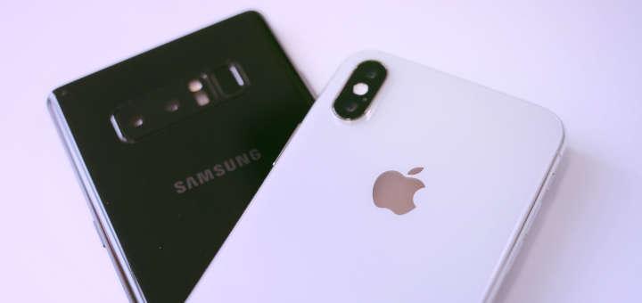 Foto de smartphones (iPhone X y Samsung) de Apple y Samsung